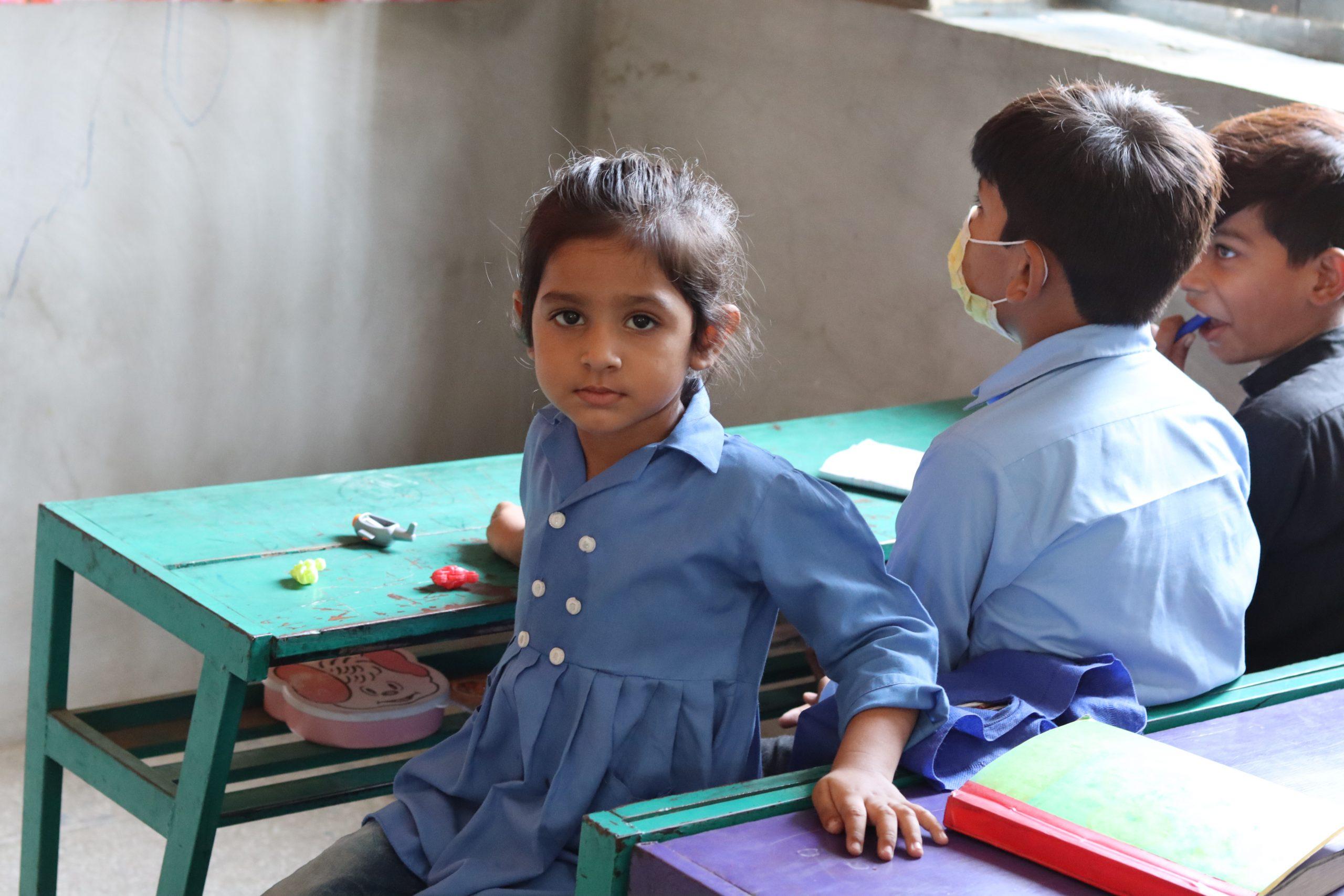 گورنمنٹ  ایم سی پرائمری  سکول رحیم آباد (ملتان) میں جماعت  نرسری کی طالبہ